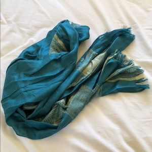 Accessories - Teal scarf with gold threads
